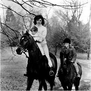 Jackie+Kennedy+riding+Middleburg+VA+Nov+19+1962