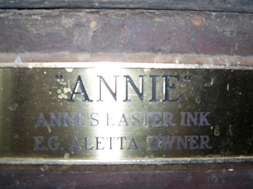 Annie's stall plaque